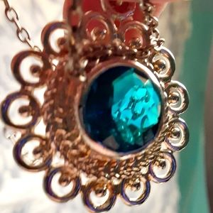 Sliver necklace Blue London.